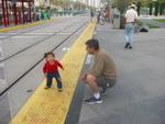 Hayvanat bahcesine gitmek icin tramvay bekliyoruz