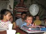 Favori aktivitelerimizden foğum günü pastasının mumunu üflemek